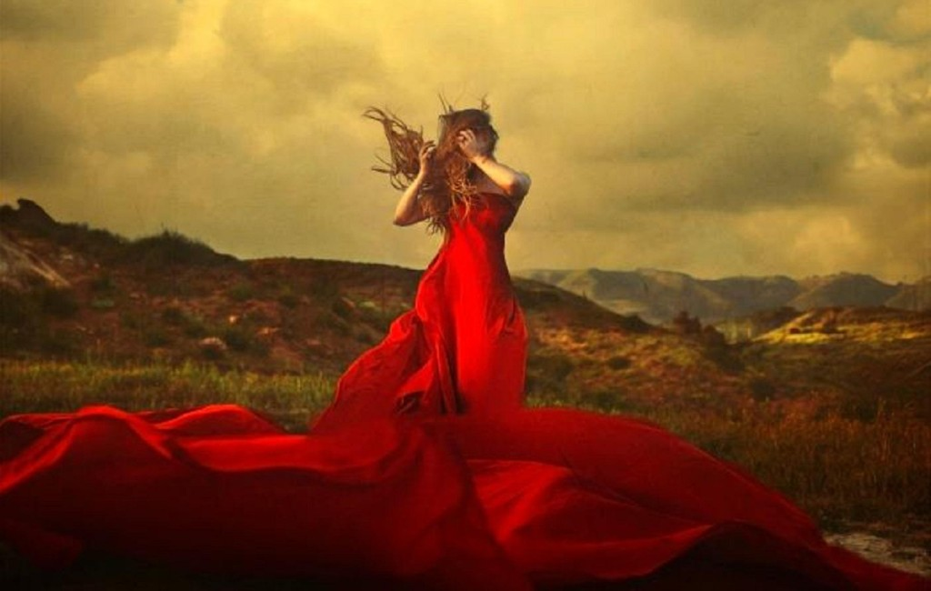 woman_in_red-big